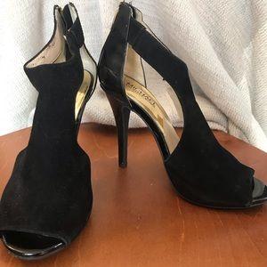 Black Michael Michael Kors Sueded T-strap Sandal